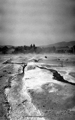 [NB017-1981-11] Hammam Meskoutine (Aquae Thibilitanae) : Vapeur et écoulements des eaux chaudes