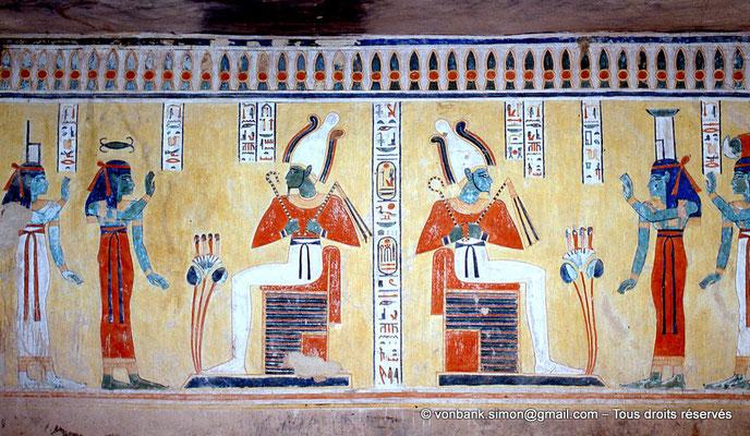 [066-1981-15] QV 44 Khaemouaset : Double représentation d'Osiris devant les Déesses Neith et Nephtys