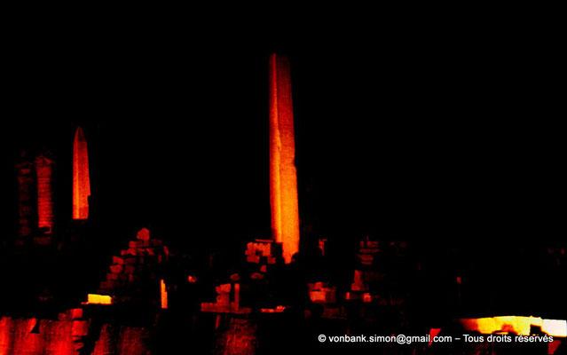 [082-1973-14] Karnak - Son et lumière : Obélisques de Thoutmôsis Ier et d'Hatchepsout