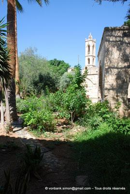 [NU900-2012-0169] Agia Napa : Clocher du monastère
