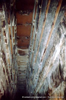 [067-1981-27] Gizeh - Khéops : Plafond de la grande galerie