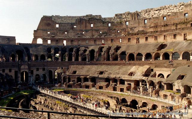 [C010-2001-15] Rome - Colisée