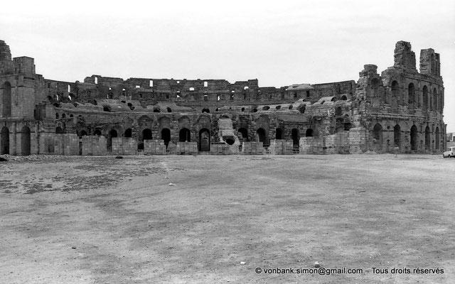 [NB011-1981-36] El Djem (Thysdrus) : Amphithéâtre - Partie extérieure détruite