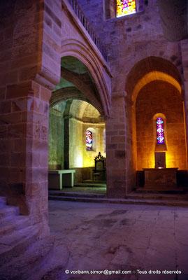 [NU002f-2016-0411] 11 - Fontfroide : Intérieur de l'église abbatiale
