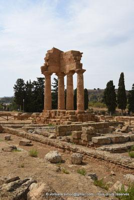 [NU906-2019-1600] Agrigente - Temple des Dioscures (Castor et Pollux) : Angle intérieur Nord-Ouest