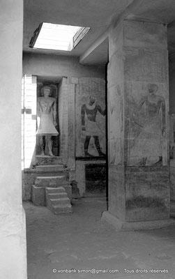 [NB085-1981-23] Saqqara - Mastaba de Mererouka : Statue de Mererouka (Chambre A13, mur Nord)