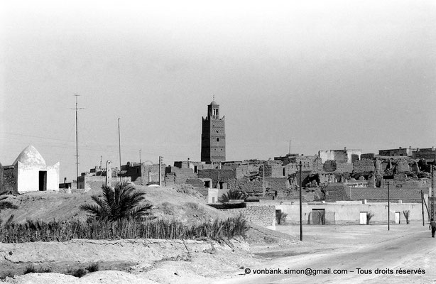 [NB050-1978-39] Temacine-Tamelhat - Village et minaret de la mosquée de Si El Hadj Temacine