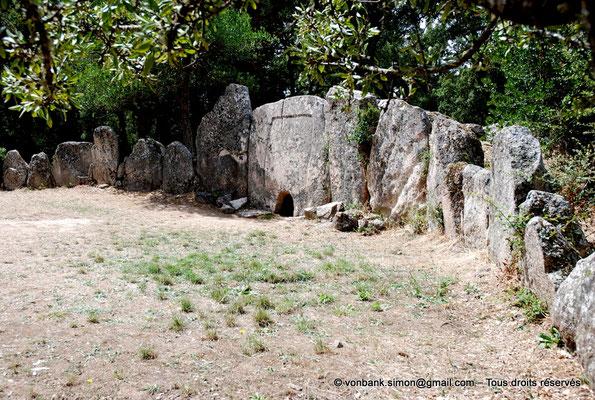 [NU904-2015-083] Tombe des géants de Pascaredda (Sardaigne)