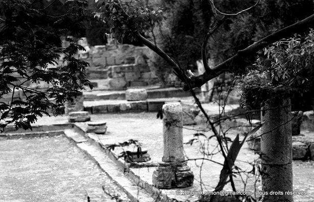 [NB036-1978-65] Tipasa de Maurétanie : Cour du temple anonyme (détail)