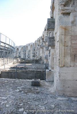 [NU001k-2018-0016] Arles (Arelate) - Amphithéâtre : Arcades supérieures