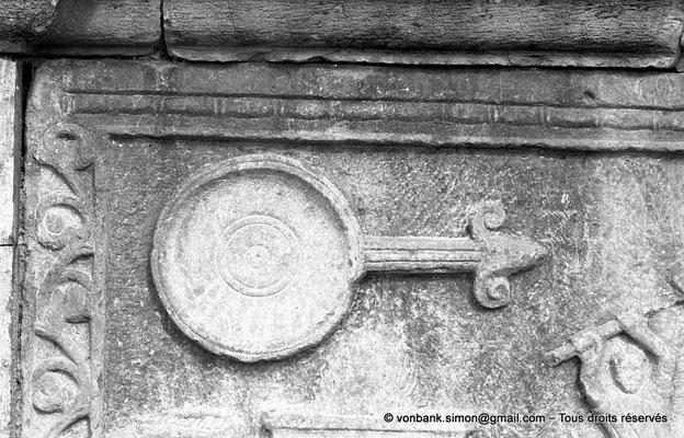 [NB033-1978-20] Djemila (Cuicul) : Forum - Autel des sacrifices (détail)