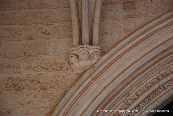 [NU001-2017-537] 34 - Villeveyrac - Valmagne : Culot (narthex)