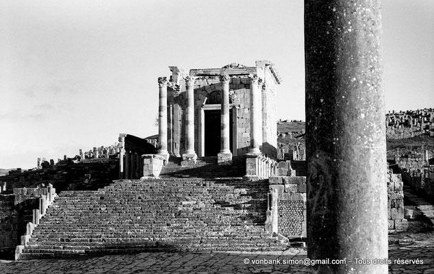 [NB032-1978-17] Djemila (Cuicul) : Temple Septimien