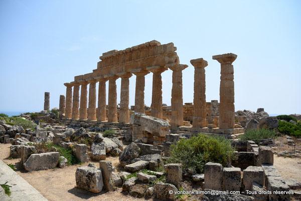 [NU906-2019-1493] Sélinonte - Temple C : Face Nord - Au premier plan, ruines du temple D