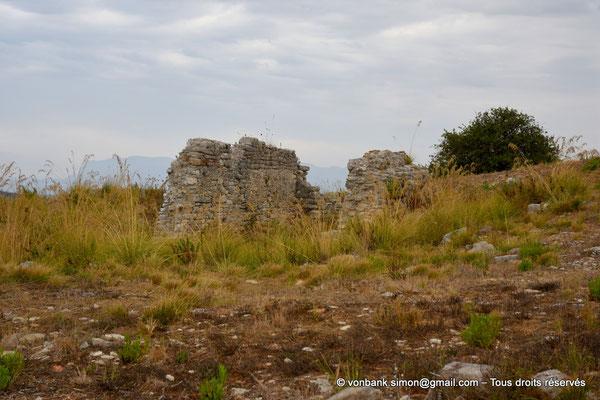 [NU906-2019-1364] Ségeste : Ruines de l'église (XV° siècle) dédiée à Saint Léon