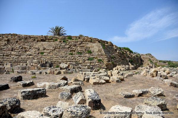 [NU906-2019-1477] Sélinonte : Remparts à gradins de l'angle Sud-Est de l'Acropole