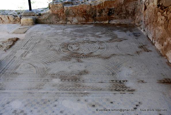 [NU900x-2013-0225] Crète - Argyroupoli : Mosaïque romaine (III° siècle) - Sol d'une pièce de thermes (?)