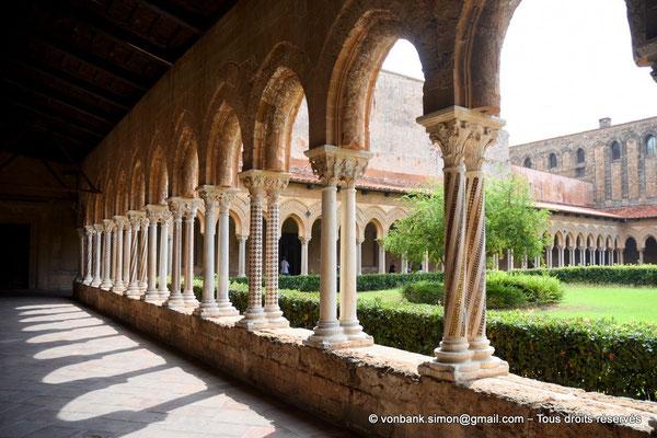 [NU906-2019-1642] Cloître des Bénédictins (Monreale) : Colonnes de l'aile Nord