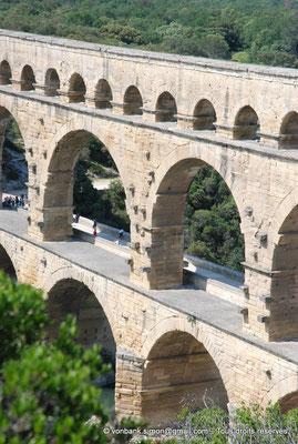 [NU001j-2018-0015] Nîmes (Nemausus) - Pont du Gard : Façade occidentale (vue partielle)