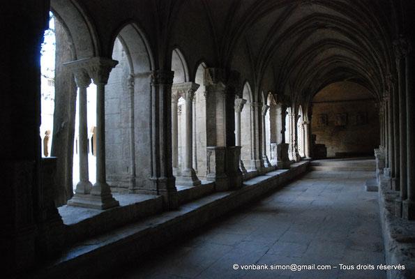 [NU001i-2018-0077] 13 - Arles - Saint-Trophime - Cloître : Galerie gothique Sud (XIV°)