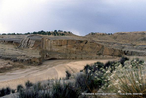 [007-1983-11] Kasserine (Cillium) : L'oued eddarb