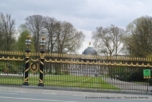 [NU900b-2012-0139] B - Bruxelles - Laeken : Grilles du Palais Royal