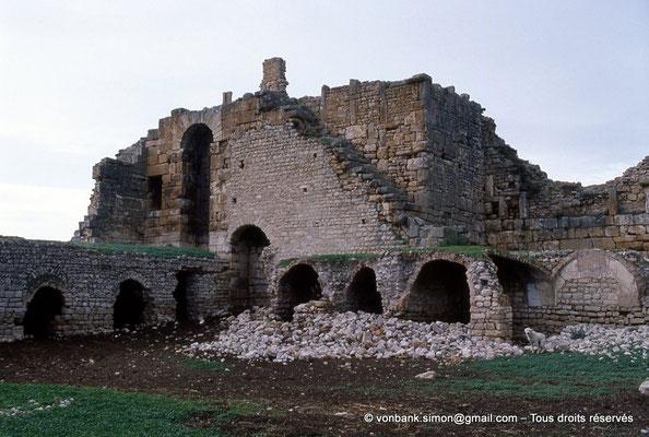 [034-1983-21] Aïn Hedja (Agbia) : Citadelle byzantine - Intérieur