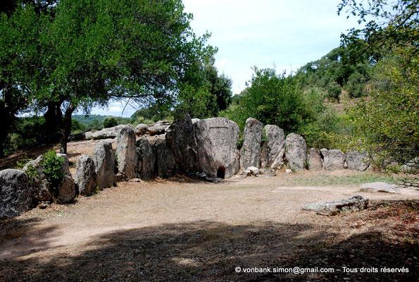 [NU904-2015-082] Tombe des géants de Pascaredda (Sardaigne)
