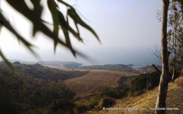 [073-1978-10] Sidi Rached : Depuis Tipasa, sur la route menant au Mausolée royal de Maurétanie