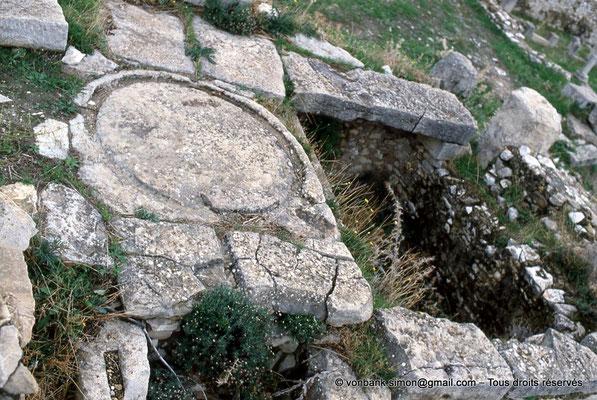 [034-1983-26] El Krib (Musti) : Huilerie et son pressoir