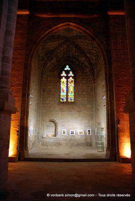 [NU002f-2016-0388] 11 - Fontfroide : Intérieur de l'église abbatiale
