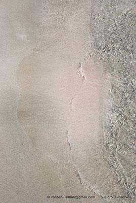 [NU900x-2013-0095] GR - Crète - Elafonissi : Eaux cristallines et poussières de coquillages roses