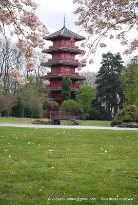 [NU900c-2012-0105] B - Bruxelles - Laeken : le Parc - Tour japonaise