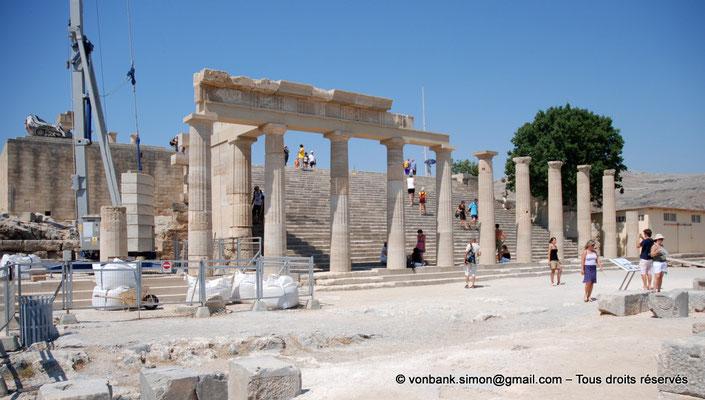 [NU901-2009-0139a] Lindos (Rhodes) : Stoa dorique - Escalier monumental des propylées