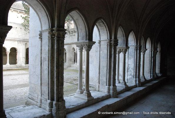 [NU001i-2018-0068] 13 - Arles - Saint-Trophime - Cloître : Galerie gothique Ouest (XIV°)