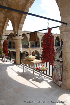 [NU905-2014-0294] Nicosie - Agia Sophia : Vue partielle de la galerie supérieure (Büzük Han)