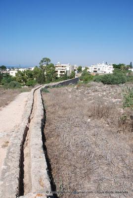 [NU900-2012-0121] Agia Napa : Canalisation de l'aqueduc romain desservant le monastère et ses environs