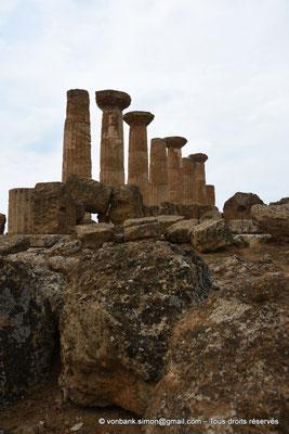 [NU906-2019-1576] Agrigente - Temple d'Héraclès (Hercule) : Face Sud (vue depuis le côté Est du temple)
