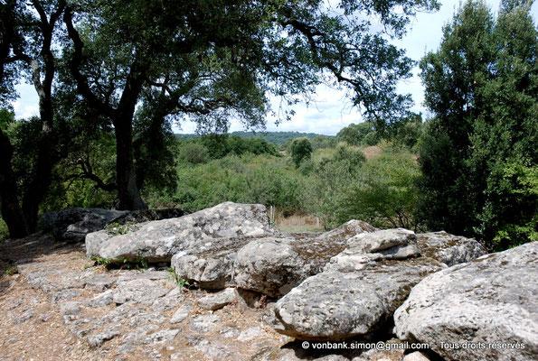 [NU904-2015-084] Tombe des géants de Pascaredda (Sardaigne)