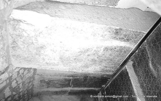 [NB085-1981-45] Saqqara - Teti I : Voûtes étoilées de la chambre funéraire partiellement affaissées