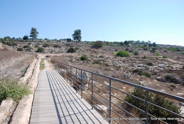 [NU900-2012-0122] Agia Napa : Canalisation de l'aqueduc romain desservant le monastère et ses environs