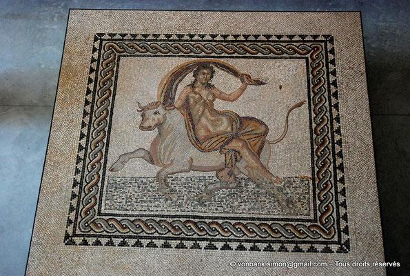 [NU001k-2018-0051] Arles (Arelate) : Mosaïque de l'enlèvement d'Europe, découverte en 1900 à Trinquetaille (Arles), fin II° siècle-début III° siècle