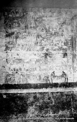 [NB085-1981-27] Saqqara - Mastaba de Mererouka : Six registres - Gavage des hyènes (R1), des gazelles et antilopes (R2-5), des bœufs( R3-4), une scène de construction navale (R6)  (Chambre A13, mur Nord)