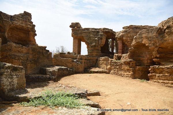 [NU906-2019-1554] Agrigente - Mur d'enceinte méridional transformé en nécropole paléochrétienne (IV° - VII° siècle)