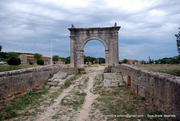 [NU002a-2016-0237] Saint-Chamas - Pont Flavien