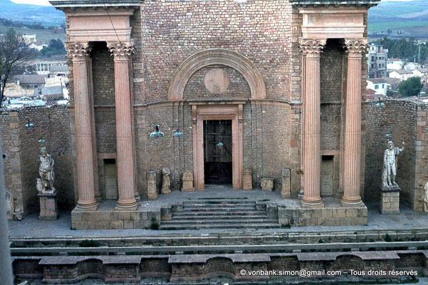 [018-1978-18] Guelma (Calama) : Théâtre - Scène et son mur
