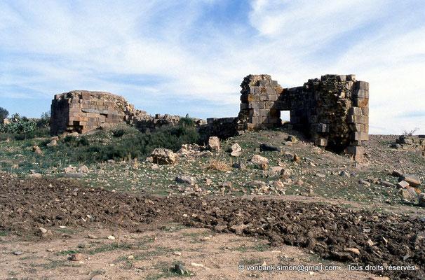 [006-1983-06] Sidi Slama (Henchir Bordj Hellal) : Forteresse byzantine - Tours et rempart
