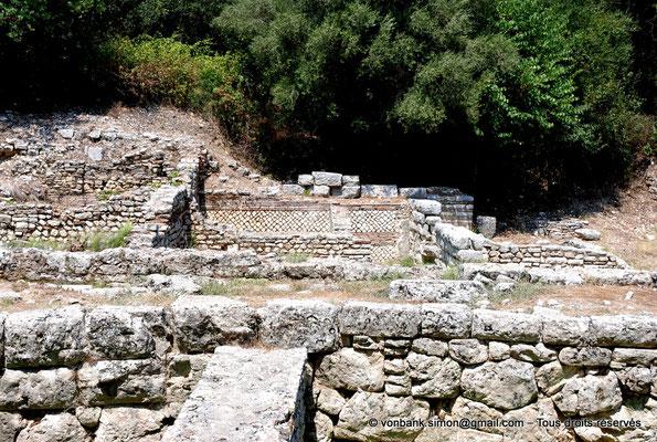 [NU902-2010-082] Butrint (Buthrotum) : Prytaneum (lieu des réunions de l'autorité de la ville)