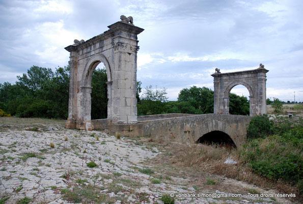 [NU002a-2016-0230] Saint-Chamas - Pont Flavien