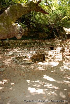 [NU900x-2013-0242] Crète - Argyroupoli : Nécropole romaine